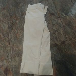Style & Co. White Capri pants